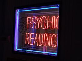 Nadia's_Psychic_Readings_01