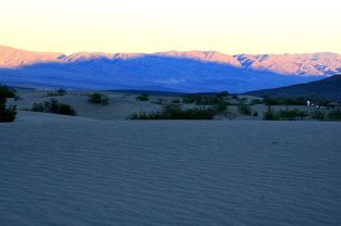 shadow_of_a_dune_in_death_valley